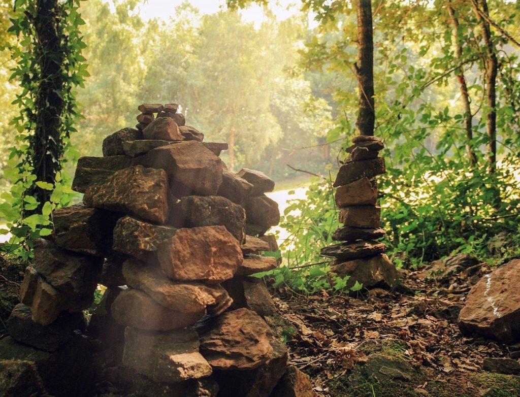 Les 10 plus beaux sites de Bretagne :  Tombeau de Merlin dans la forêt de Brocéliande