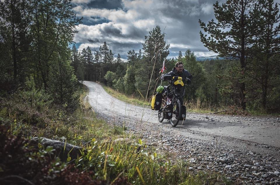 Pierre voulait voir les aurores boréales. il est parti en Norvège à vélo. Il raconte sur la webradio voyage Allô la Planète dans l'émission voyage sans ailes, l'émission du voyage sans avion