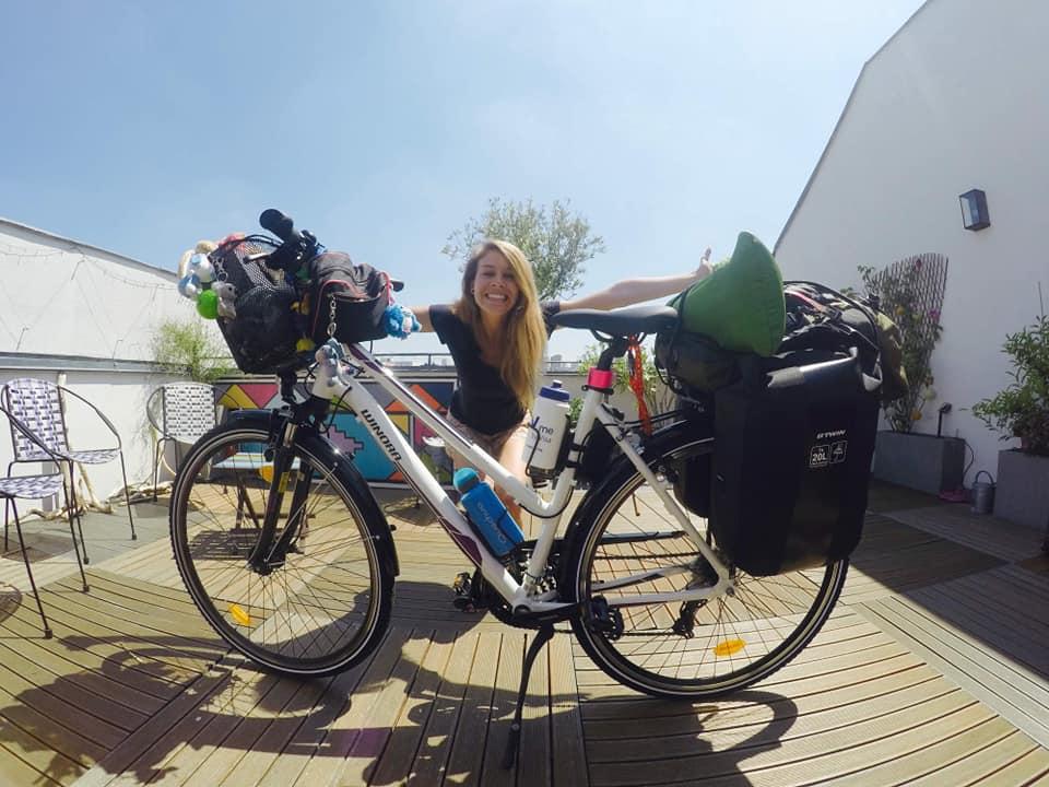 Tiphaine a traversé l'Europe et L'Afrique à vélo. 20 000 km en 14 mois à vélo qu'elle racont dans Allo la Planete, la webradio voyage
