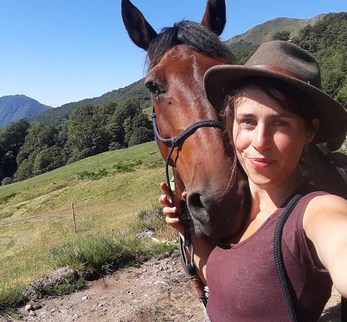 En juillet dernier, Lise s'est lancée donc jusqu'aux sommets des volcans d'Auvergne. Elle raconte son aventure dans Avec mes Sabots sur Allô la Planète