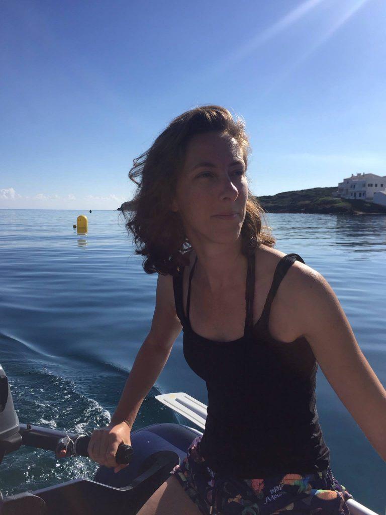Perrine vit à San Francisco avec son mari américain. Selon elle, la Californie est aussi divisée. Elle raconte dans cette émission Allo la Planète, comment elle a suivi l'élection présidentielle Américaine