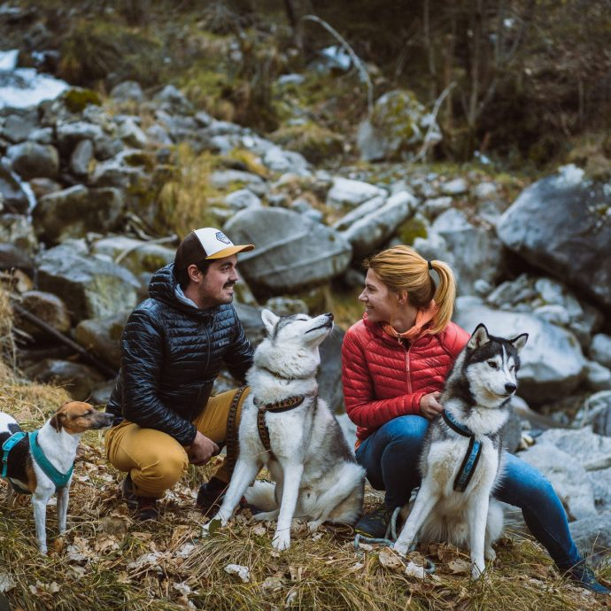 La traversée des Pyrénées avec deux chiens, Un défi sportif de 39 jours de randonnée en autonomie, pour parcourir 765 km sur le GR10. Allo la planete podcats voyage
