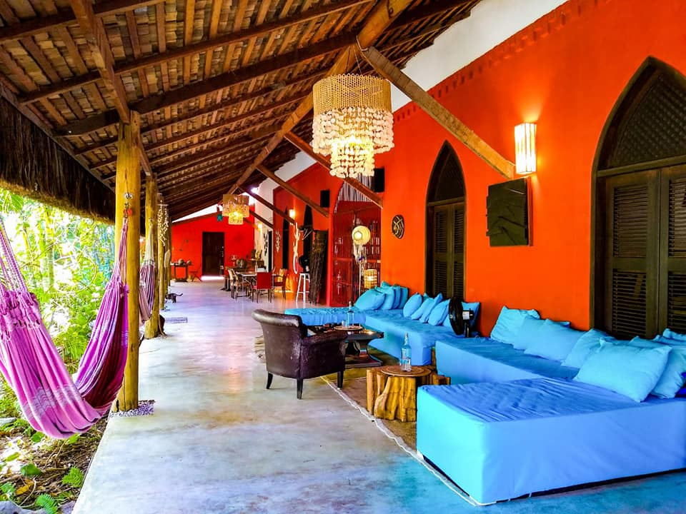 Tierra Madre Eco Lodge Faimeh et Adrien ont ouvert un petit hôtel écologique en Belgique allo la planete podcast voyage, hébergement éthique