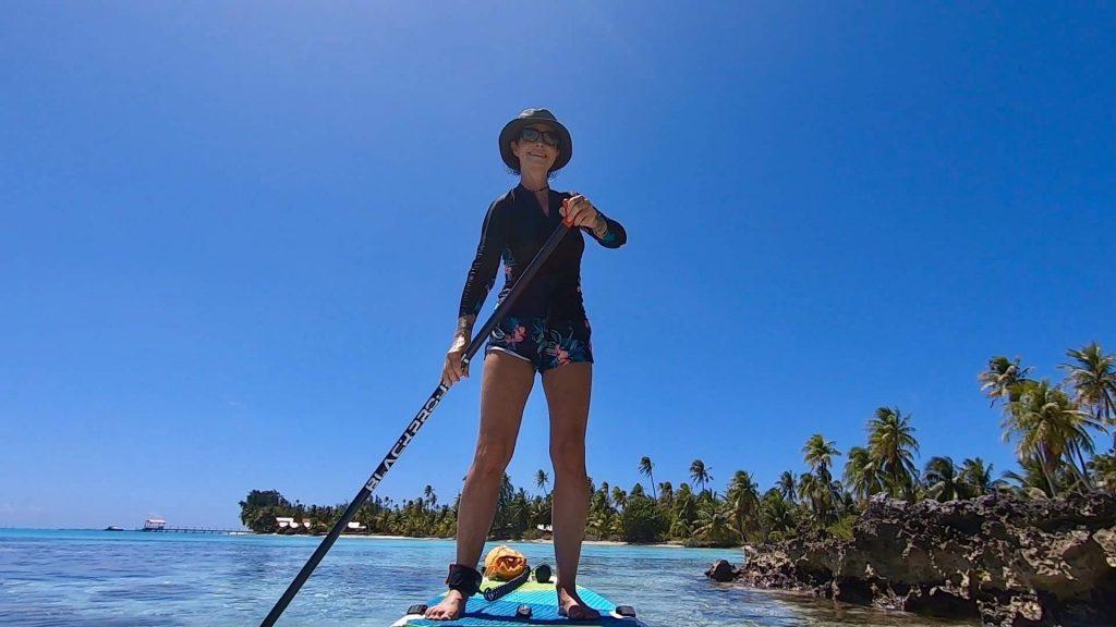 Donner du sens au voyage Christine se déplace en standup paddle, allo la planete