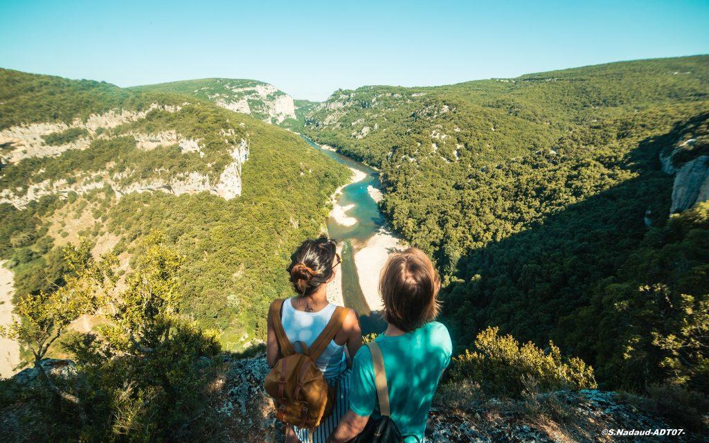 Emerveillés par l'Ardèche allo la planete destination france podcast voyage