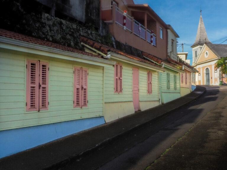 Le village coloré de Grand'Rivière en Martinique